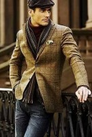 men's fall layers tweed jacket with burgundy chunky knit turtleneck sweater and denim