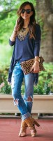 casual chic navy tshirt and jeans