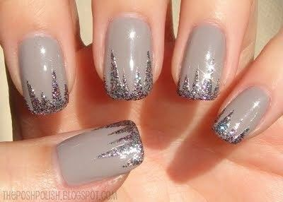 Fall_Winter 2016 nail polish trends nude nails with glitter dripping tips