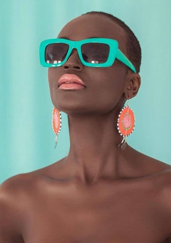 Key Pieces to Invest In for Your Summer Wardrobe, bold, bright lipstick