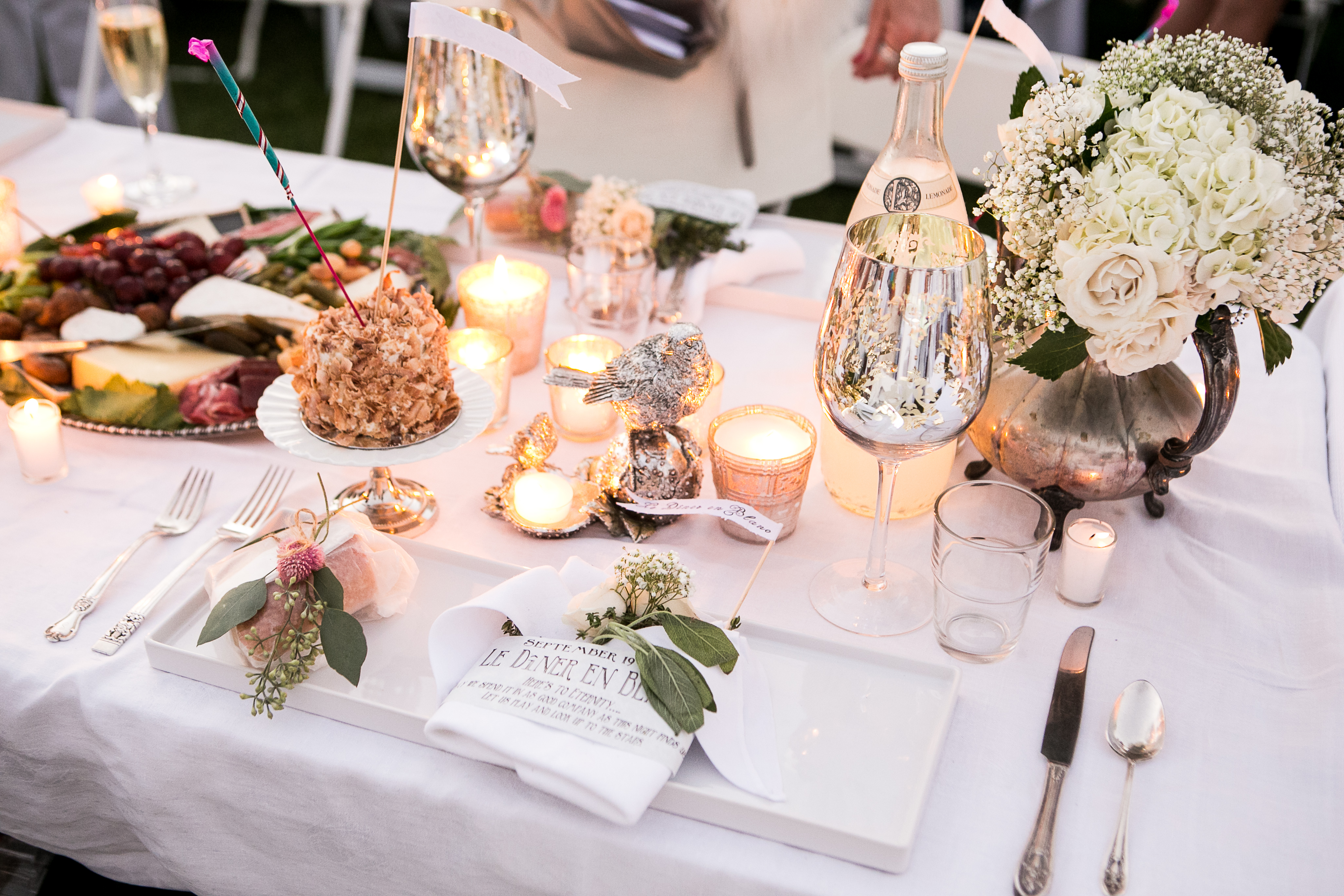 D ner en blanc style divine style - Table a diner ...