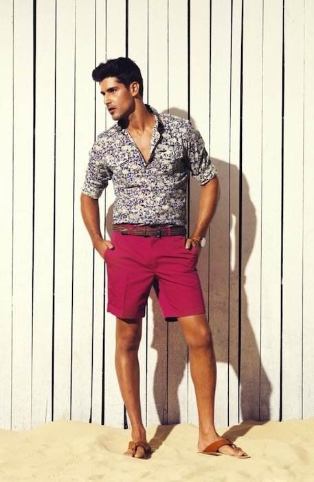 men's outfits daytime cool berry shorts and print shirt