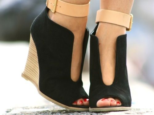 wardrobe essentail wedge black