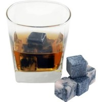 holiday gifts whiskey rocks
