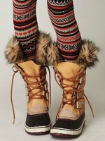 striped print leggings and sorel boots