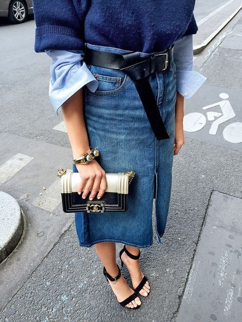 7 Things You Shouldn't Have in Your Closet After 30, mini-skirt, jeans skirt, black sandals