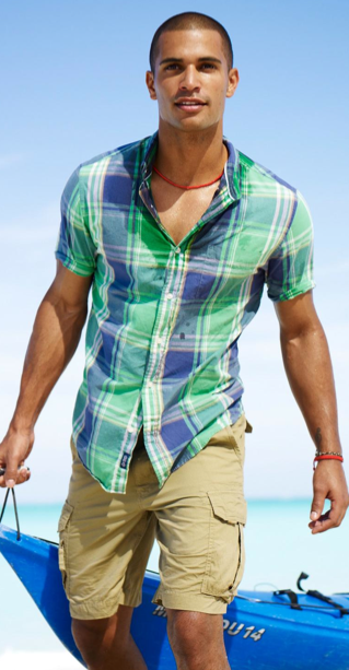 7 Things You Should Never Wear on a Date, cargo shorts, men's khaki cargo shorts and plaid button up shirt