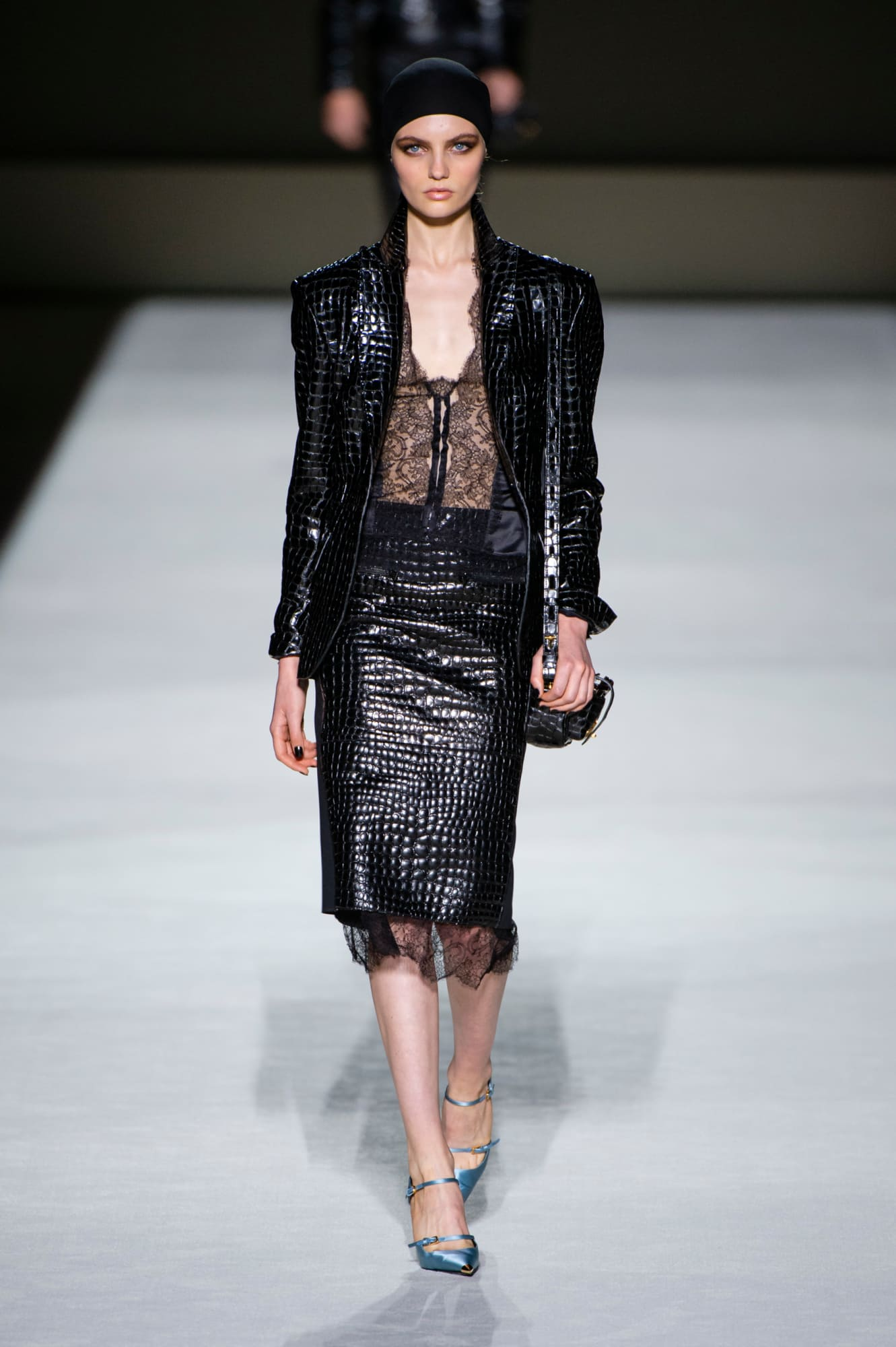 Tom Ford spring 2019 collection, leather, women's animal skin leather blazer and skirt with black lace hem