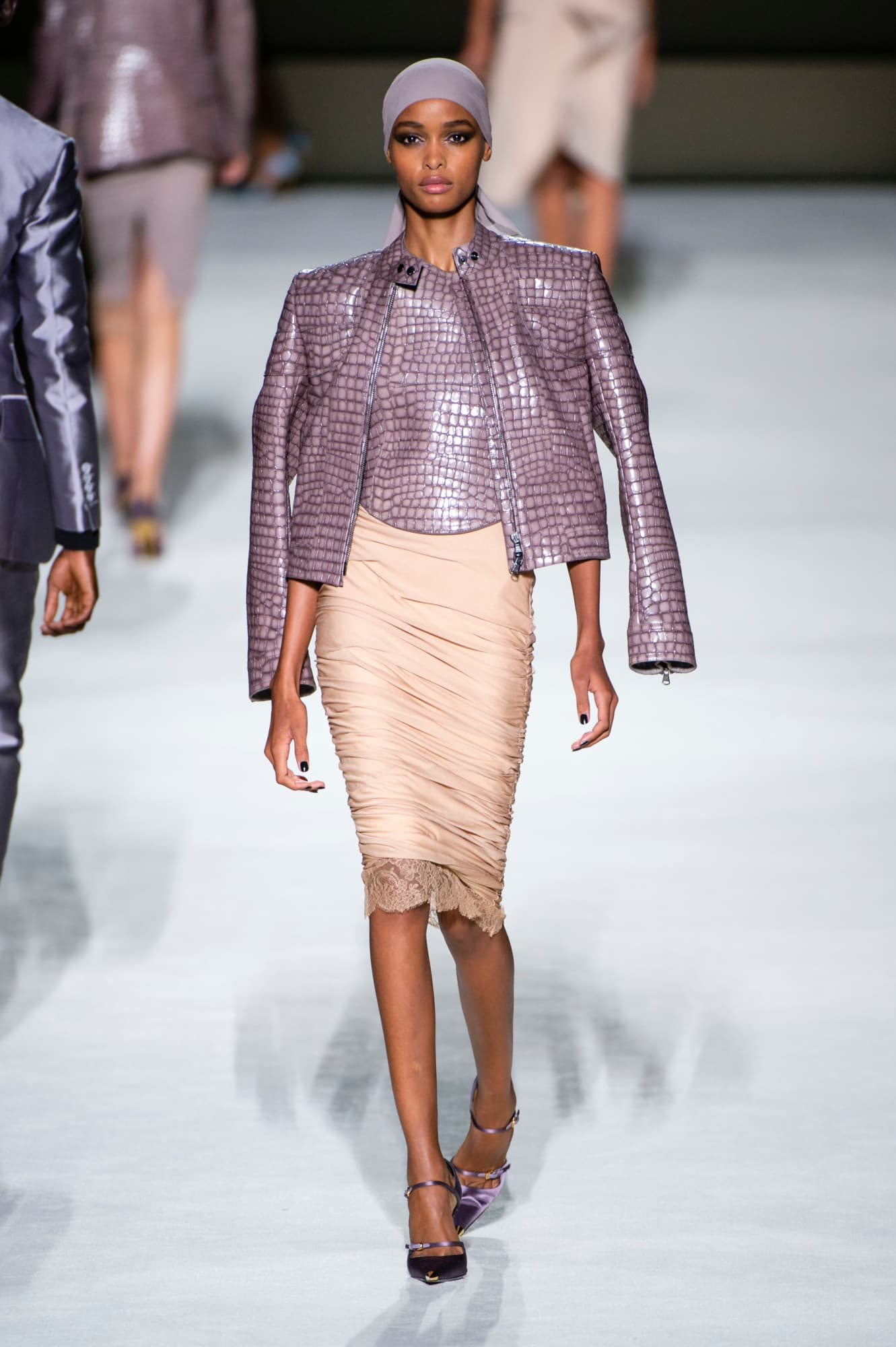 Tom Ford spring 2019 collection, leather, women's lilac animal skin leather top and jacket with blush skirt