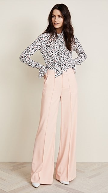 How To Look Stylish at the Office for Spring, wide leg pants + print blouse, Alice and Olivia pink wide leg pants, Veronica Beard floral blouse