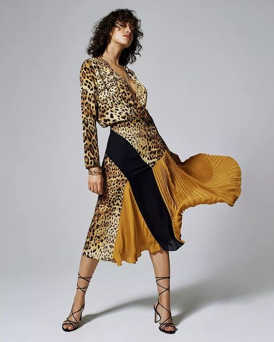 Leopard print, leopard fashion, Cushnie leopard print and gold silk skirt