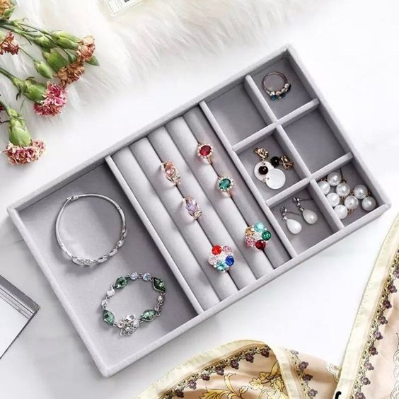 Summer Closet Clean Out +  Wardrobe Essentials, women's jewelry tray, organize jewelry